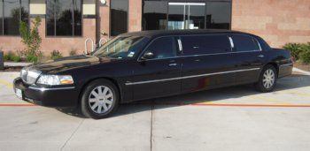 Lincoln Limo Additional Side View 3
